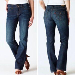 Levis Slender Boot Cut 526 Denim Jeans NWT